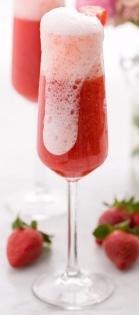strawberry-mimosas-600x900